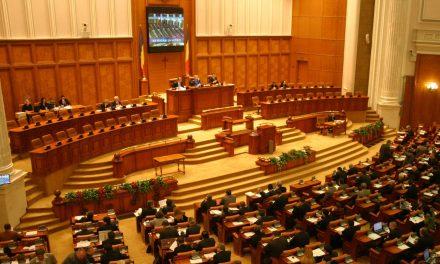 Proiectul de lege care își propune reducerea cantității de zahăr din sucuri, respins de Comisia de Sănătate din Camera Deputaților