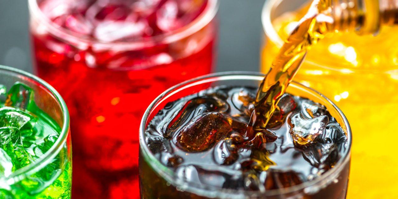 Afișarea cantității de zahăr adăugat în băuturi va duce la economii de miliarde