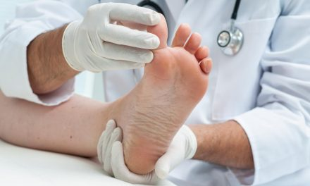 Implementarea profesiei de podiatru în România devine o necesitate majoră