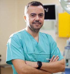 Dr. George Sireţeanu: Obezitatea creşte atât perioada de spitalizare în terapie intensivă, cât şi nevoia de ventilaţie mecanică