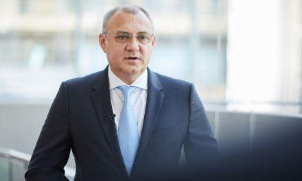 Iulian Trandafir, Președinte al Asociației Distribuitorilor și Retailerilor Farmaceutici din România (ADRFR): Vaccinarea ar trebui să se facă și în farmacii