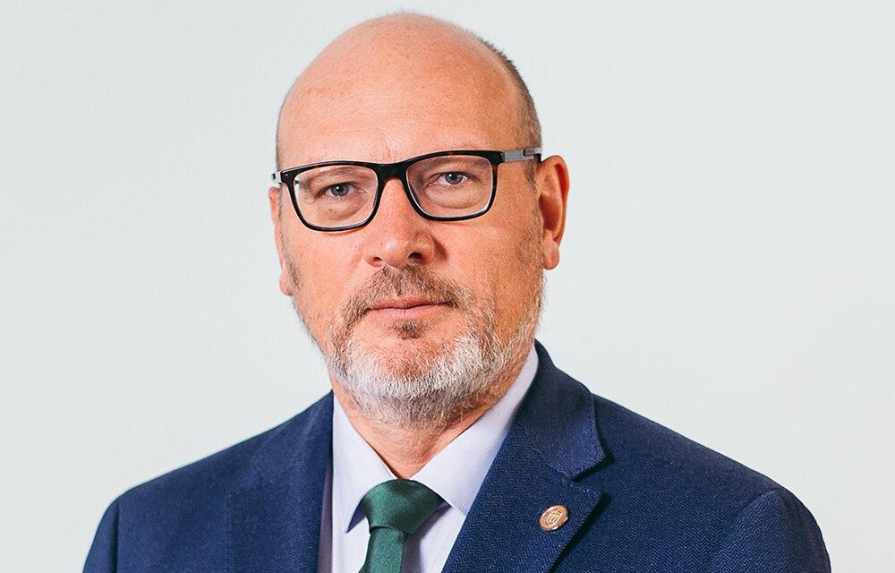 Prof. Dr. Adrian Covic, Președintele Societății Române de Nefrologie: Pacienții cronici, care au devenit majoritari și în România, au nevoie de medic curant și de o viziune multidisciplinară